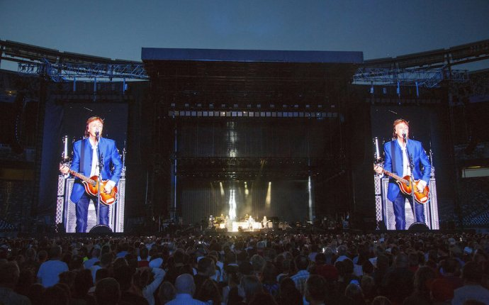 Paul McCartney s marathon N.J. concert: Rock brilliance does not